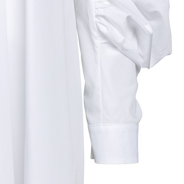 White short dress with gathered sleeves                                                                                                                ALEXANDER MCQUEEN