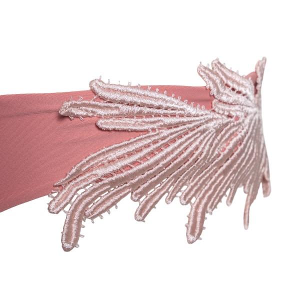 Costume rosa con ricamo a piume                                                                                                                        CLARA AESTAS                                       CLARA AESTAS