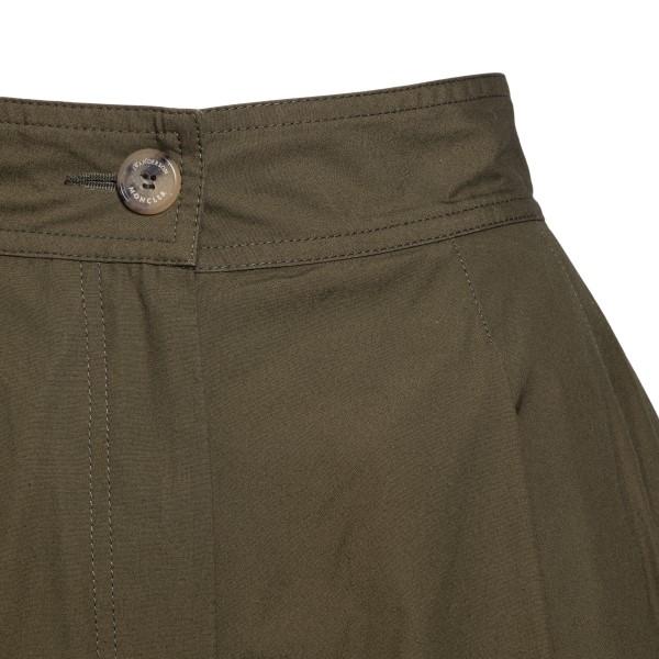 Military green flared Bermuda shorts                                                                                                                   MONCLER JW ANDERSON