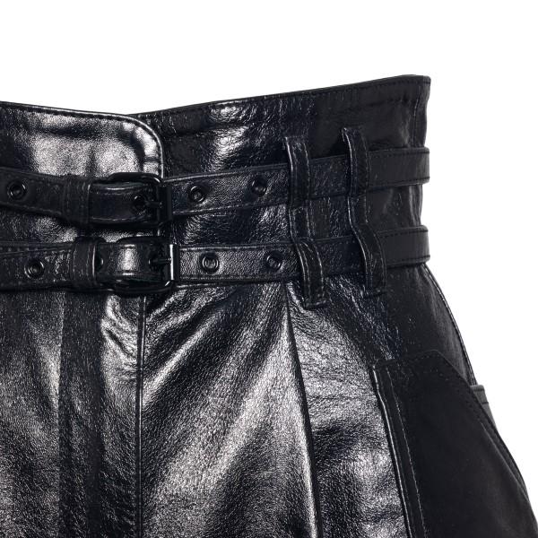 Black leather shorts                                                                                                                                   PHILOSOPHY