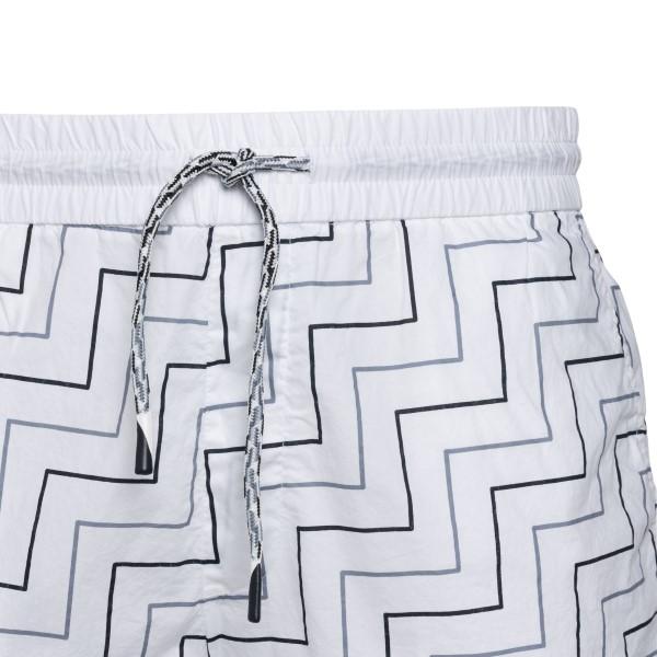 White shorts with geometric pattern                                                                                                                    EMPORIO ARMANI