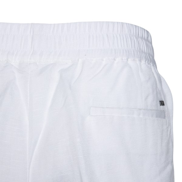 White shorts                                                                                                                                           EMPORIO ARMANI