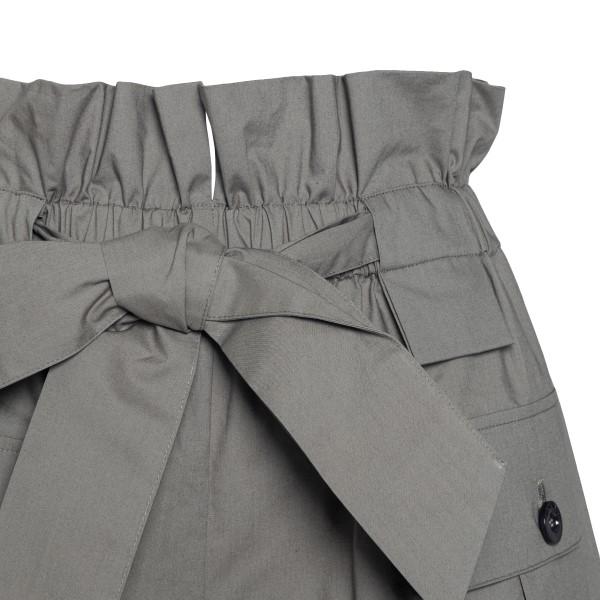 Pantaloncini grigi con fiocco                                                                                                                          EMPORIO ARMANI                                     EMPORIO ARMANI