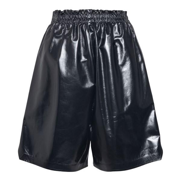 Black bermuda shorts in shiny leather                                                                                                                 Bottega Veneta 633445 back