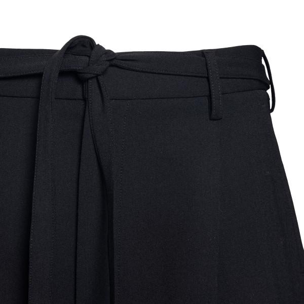 Pantaloncini corti neri con piega                                                                                                                      AMBUSH                                             AMBUSH