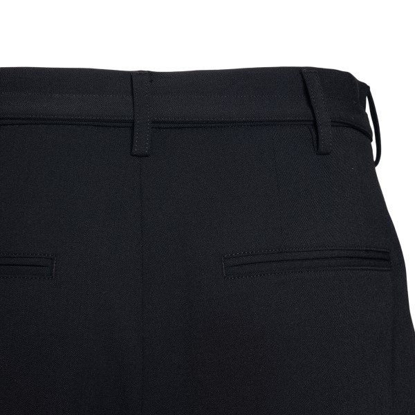 Black shorts with crease                                                                                                                               AMBUSH