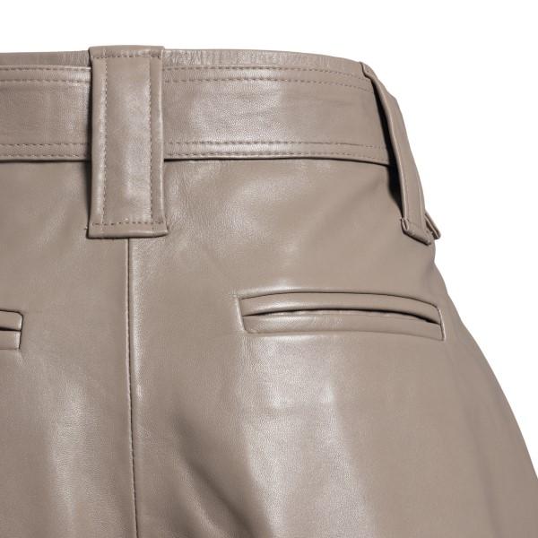 Leather shorts in grey                                                                                                                                 GANNI
