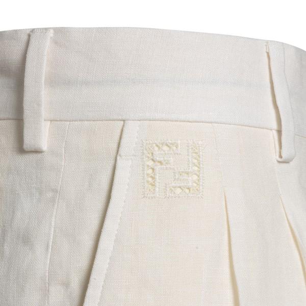 Bermuda bianchi con pinces                                                                                                                             FENDI                                              FENDI