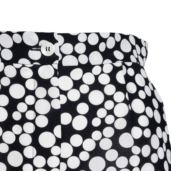 Black polka dot shorts                                                                                                                                 DOLCE&GABBANA