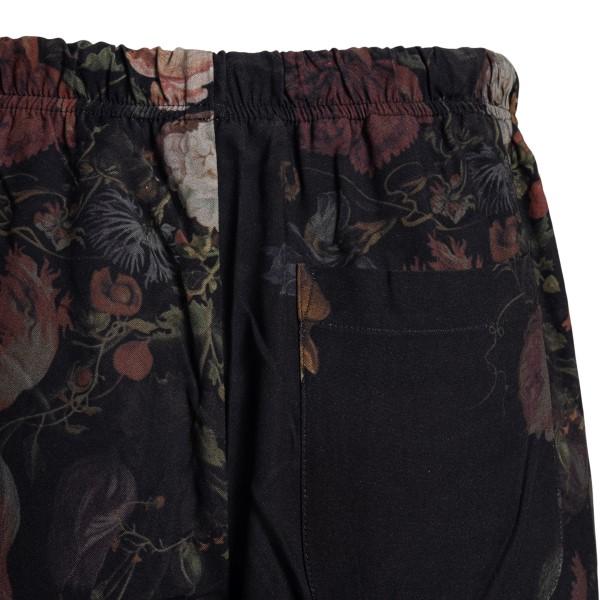 Pantaloncini neri a fiori                                                                                                                              CHOICE                                             CHOICE