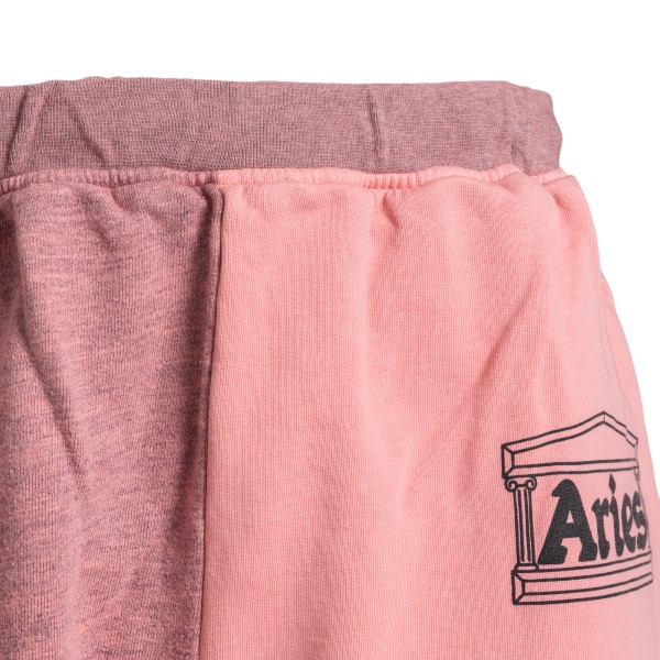 Pink sports shorts with logo                                                                                                                           ARIES