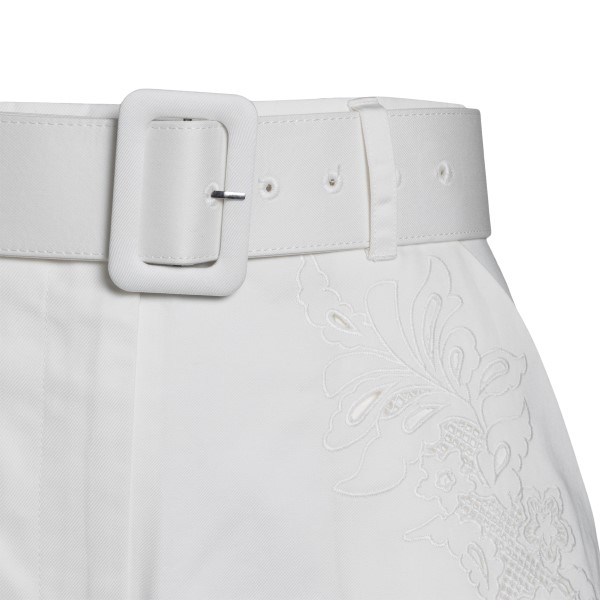 White shorts with embroidery                                                                                                                           SELF PORTRAIT