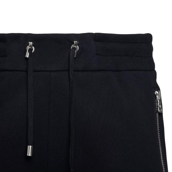 Pantaloncini neri con logo in rilievo                                                                                                                  BALMAIN                                            BALMAIN