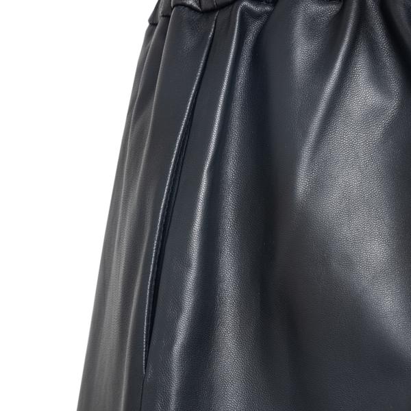 Pantaloncini neri in pelle                                                                                                                             RED VALENTINO RED VALENTINO