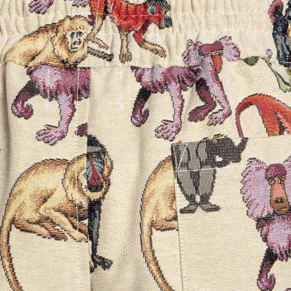 Ecru bermuda with multicolored embroidery                                                                                                              LC23