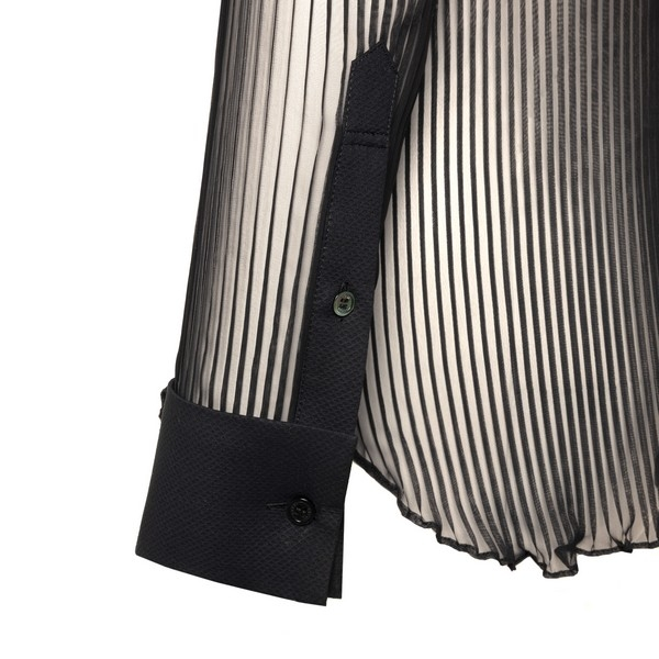 Black pleated shirt                                                                                                                                    SACAI