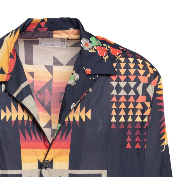 Black shirt with geometric prints                                                                                                                      SACAI