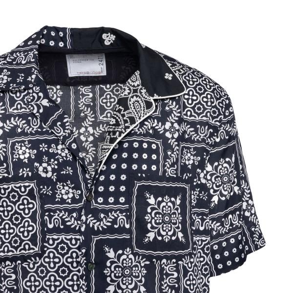 Black shirt with paisley print                                                                                                                         SACAI