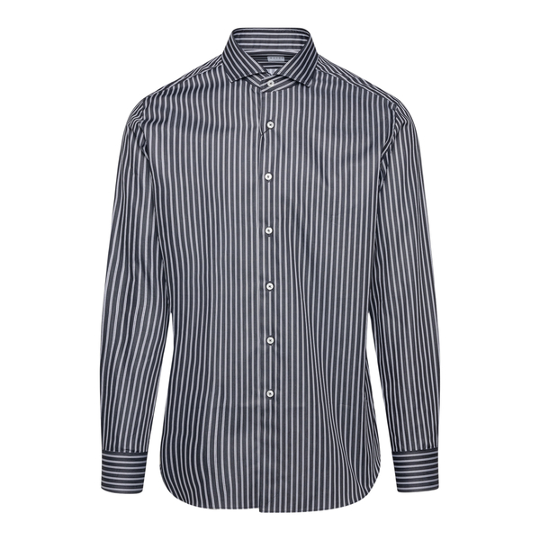 Black striped shirt                                                                                                                                    XACUS