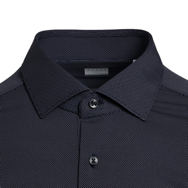 Black shirt with texture                                                                                                                               XACUS