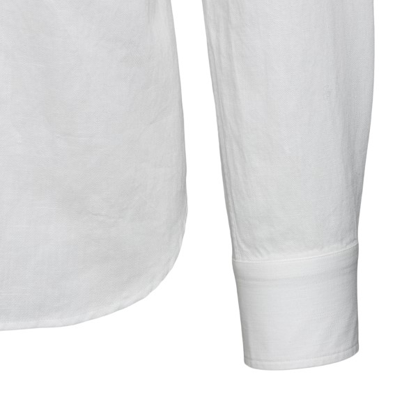 Classic white shirt with pockets                                                                                                                       XACUS