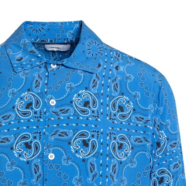 Camicia azzurra a stampa paisley                                                                                                                       C.9.3                                              C.9.3
