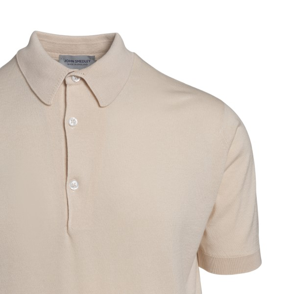 Lightweight beige polo shirt                                                                                                                           JOHN SMEDLEY