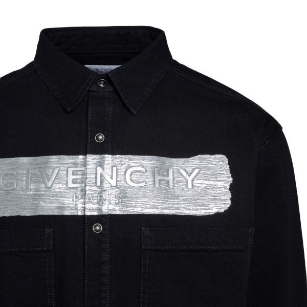 Black shirt with silver print                                                                                                                          GIVENCHY