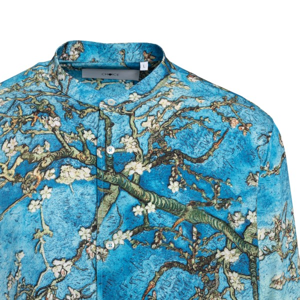 Blue shirt with painting                                                                                                                               CHOICE