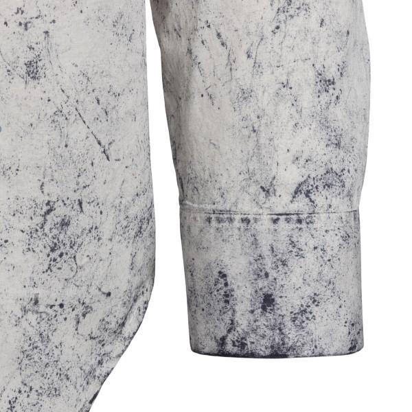 Camicia bianca con macchie di colore                                                                                                                   CHOICE                                             CHOICE