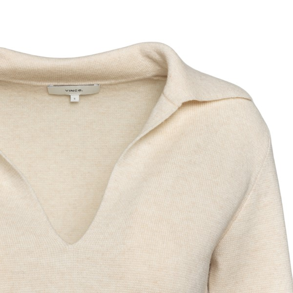 Cream top with V-neck                                                                                                                                  VINCE