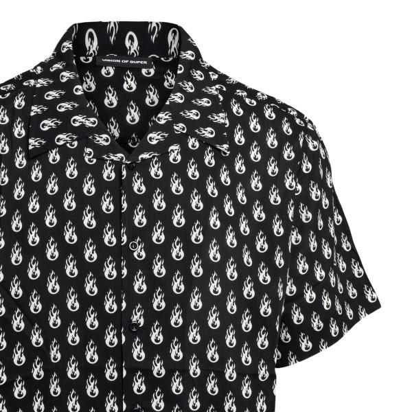 Camicia nera con pattern grafico                                                                                                                       SUPER                                              SUPER