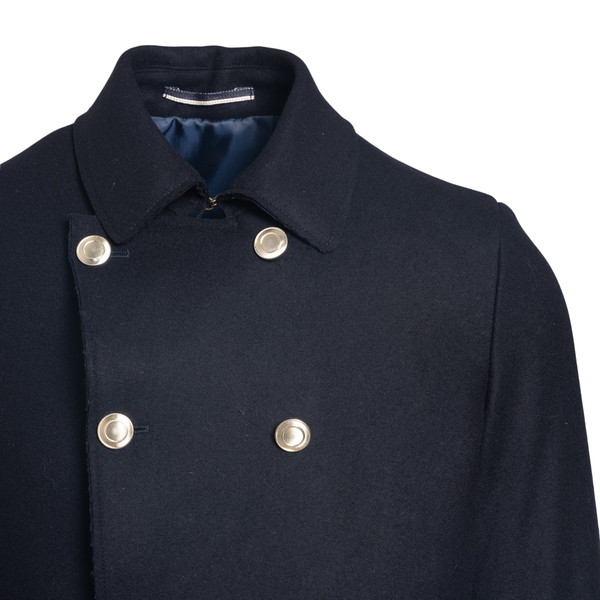 Double-breasted coat                                                                                                                                   REVERES