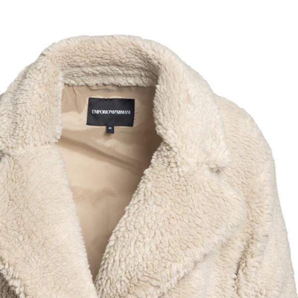 Cappotto beige in shearling con lettere EA                                                                                                             EMPORIO ARMANI EMPORIO ARMANI