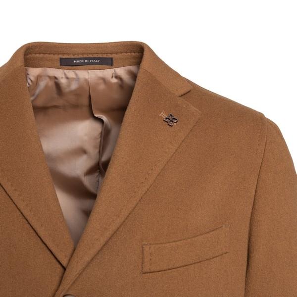 Camel single-breasted coat                                                                                                                             TAGLIATORE