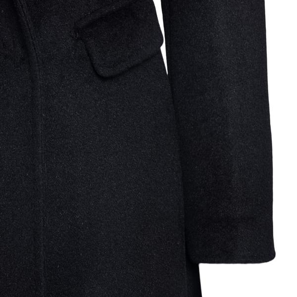 Cappotto nero con chiusura nascosta                                                                                                                    TAGLIATORE TAGLIATORE