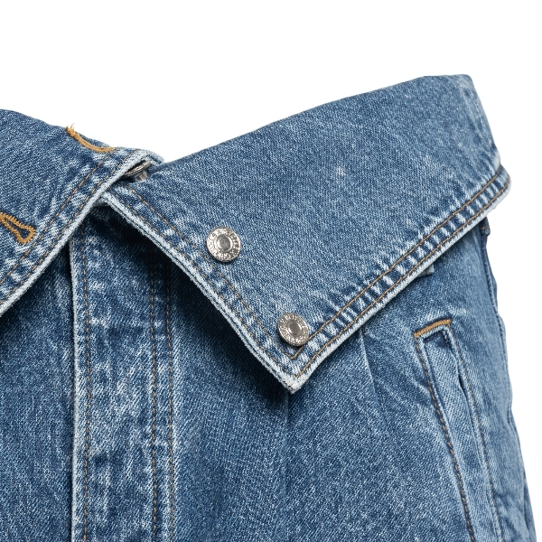 Blue jeans with turn-up waist                                                                                                                          REDONE