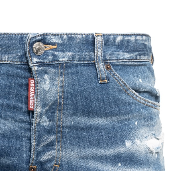 Blue jeans with a worn effect                                                                                                                          DSQUARED2
