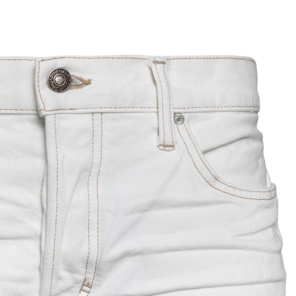 White jeans with contrasting stitching                                                                                                                 TOM FORD