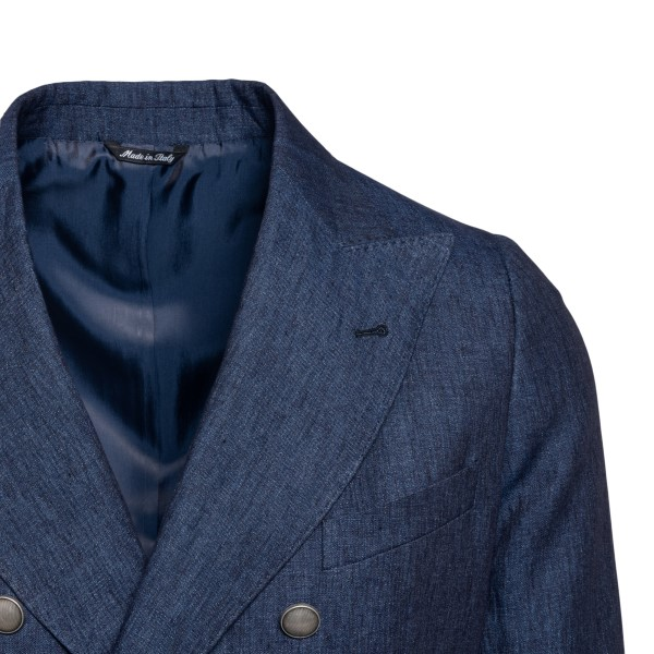Double-breasted blue jacket                                                                                                                            REVERES