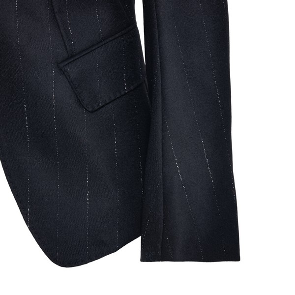 Black blazer with pinstripe                                                                                                                            ANN DEMEULEMEESTER