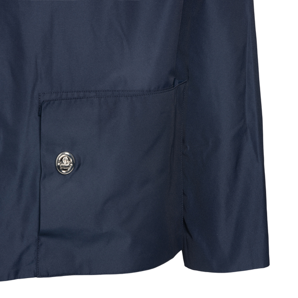 Blue jacket with multiple pockets                                                                                                                      BOTTER