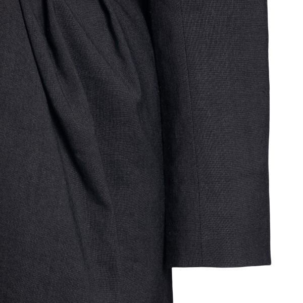 Black jacket with V-cut and pleats                                                                                                                     JACQUEMUS