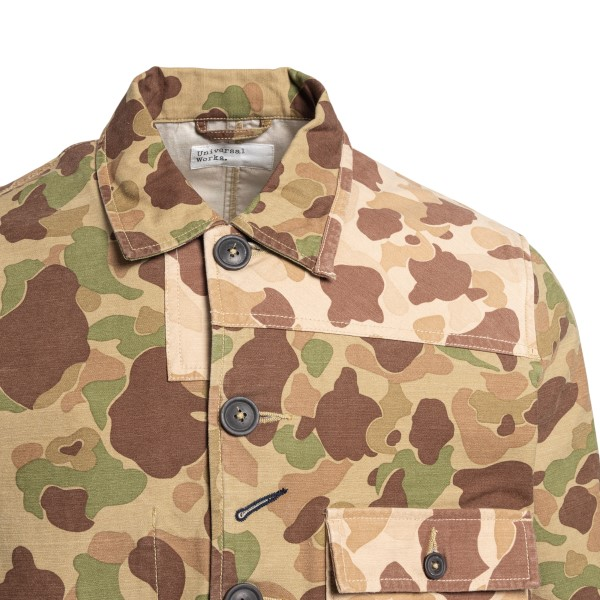 Shirt jacket in camouflage print                                                                                                                       UNIVERSAL WORKS