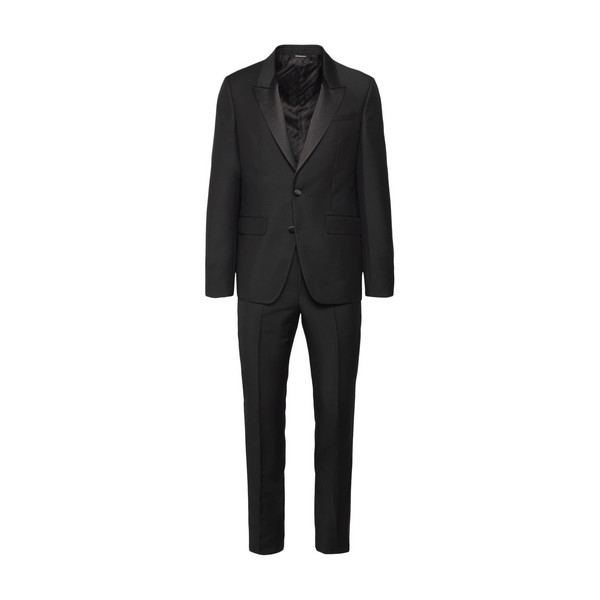 Black suit with pointed lapels                                                                                                                        Givenchy BM102J front