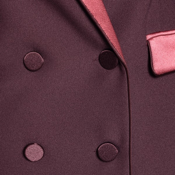 Burgundy double-breasted blazer                                                                                                                        HEBE STUDIO