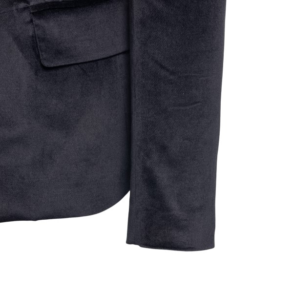 Single-breasted black blazer with pointed lap                                                                                                          AMIRI