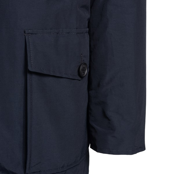 Dark blue parka with padded hood                                                                                                                       WOOLRICH