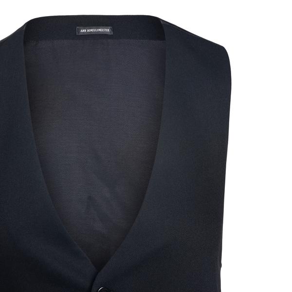 Black vest                                                                                                                                             ANN DEMEULEMEESTER