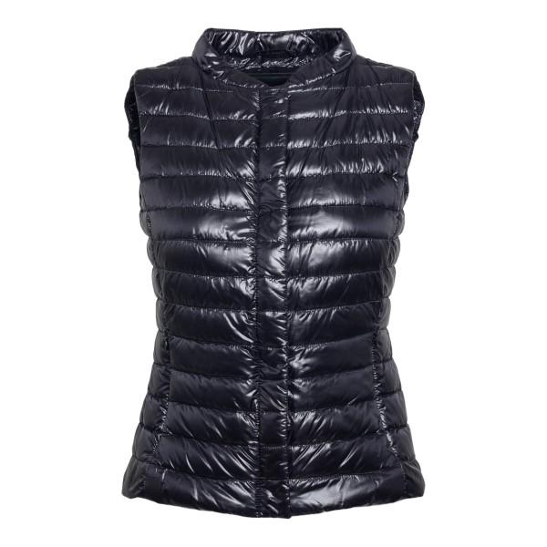 Black padded vest                                                                                                                                     Herno PI0601D front